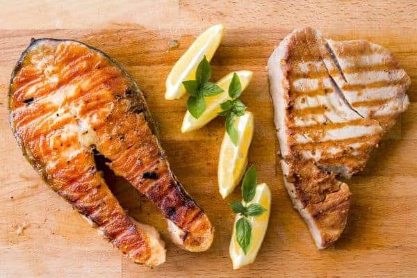 gegrilde vis en vlees