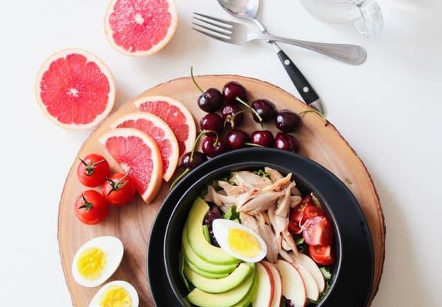 grapefruit, avocado, kersen, eieren, vlees