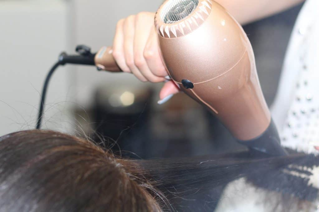 hairdressing 1516345 1280