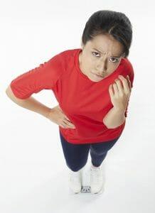 betrokken vrouw overgewicht