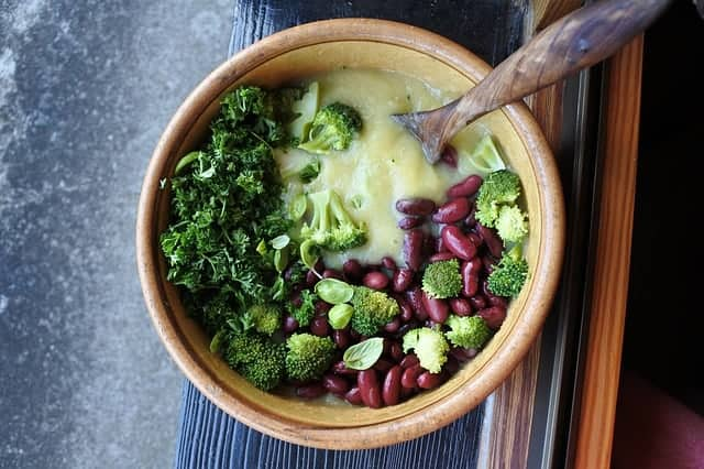 broccoli en rode bonen soep