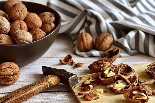 gemalen noten, hamer