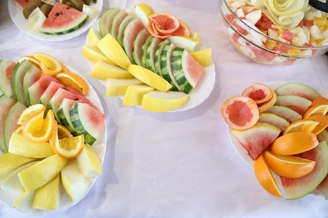 gehakt fruit op salades