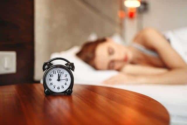 vrouw tijdens de slaap